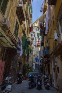 rue, naples, draps, fenêtres