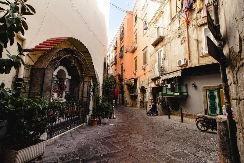 Ruelles - Naples