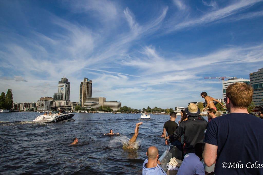 Baignade dans la zone de baignade autorisée d'Amsterdam