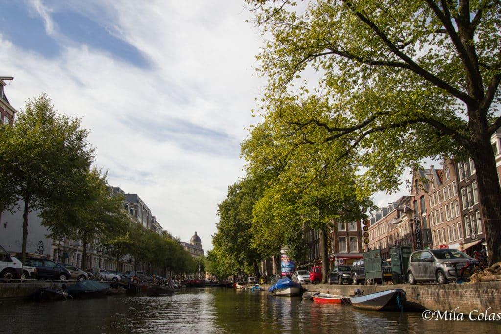 Les canaux d'Amsterdam en bateau