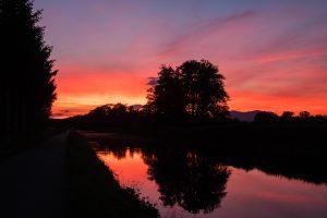Sunset dans l'est de la France - coucher de soleil - canal