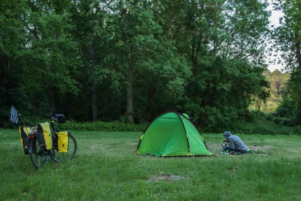 camping loire a velo