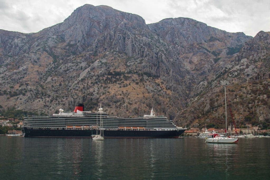 Navire de croisière - Kotor - Monténégro