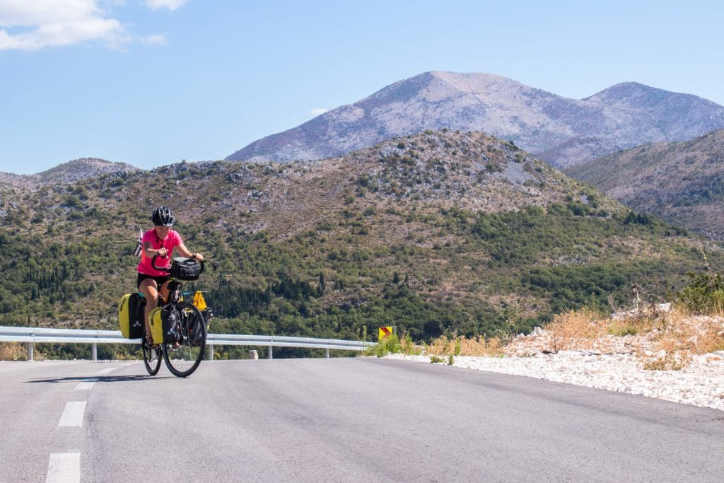 La région de Dubrovnik à vélo : hôtels abandonnés et grosses pentes !