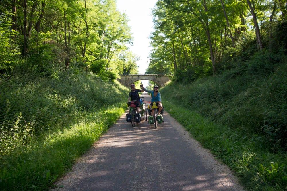 isis et clément - voyage végane à vélo