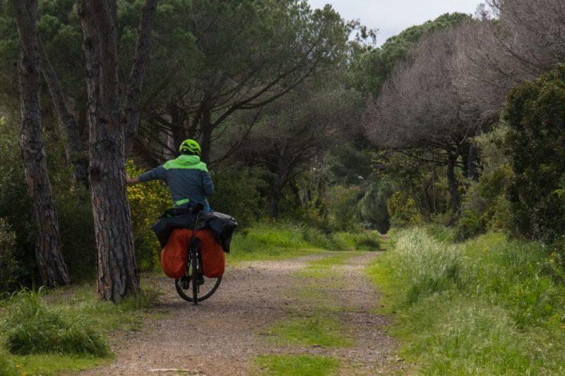 Petit chemin en Provence, praticable à vélo