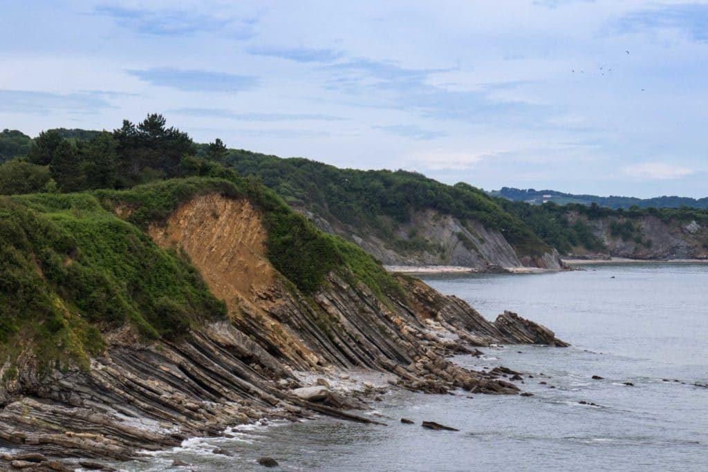 côte basque escarpée - Vélodyssée