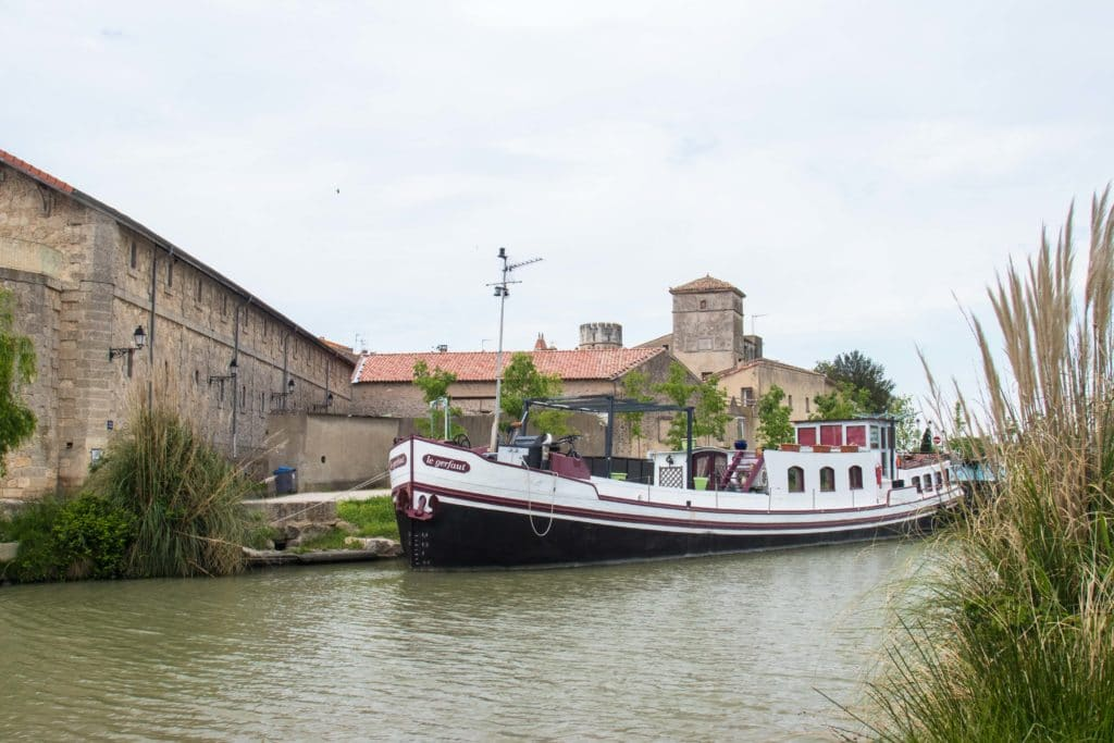 Canal du Midi - village