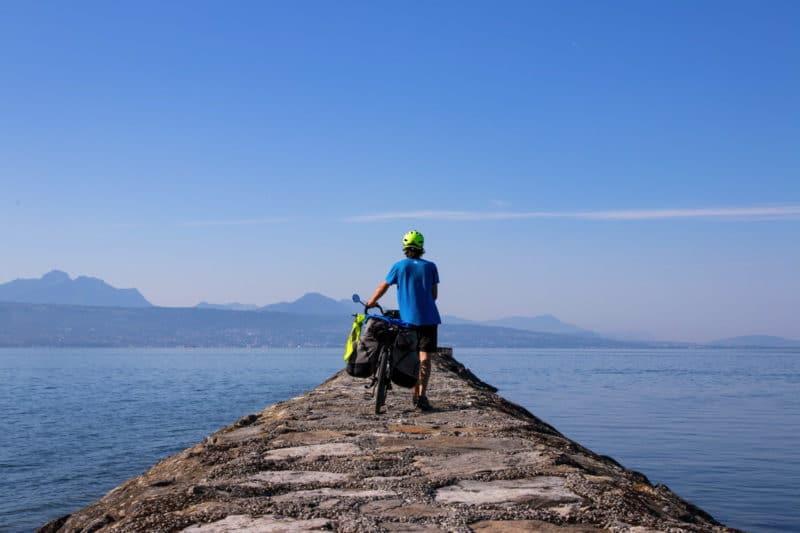 Denni sur le lac Léman - route du Rhône à vélo