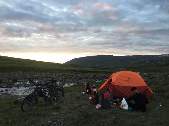 Bivouac extérieur Islande à vélo