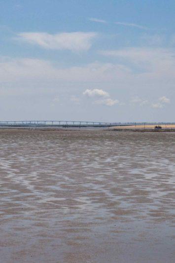 Marrée basse et pont de Noirmoutier