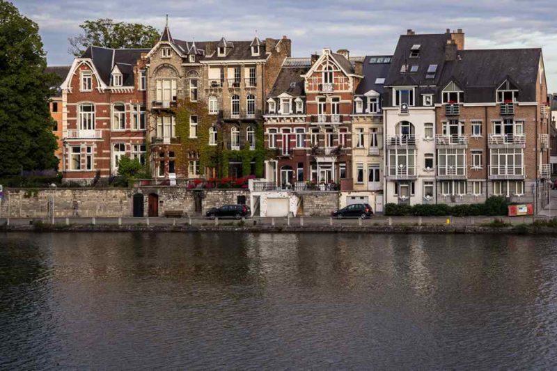 Villas du bord de Meuse