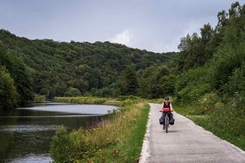 Chemin de halage - Sambre à vélo