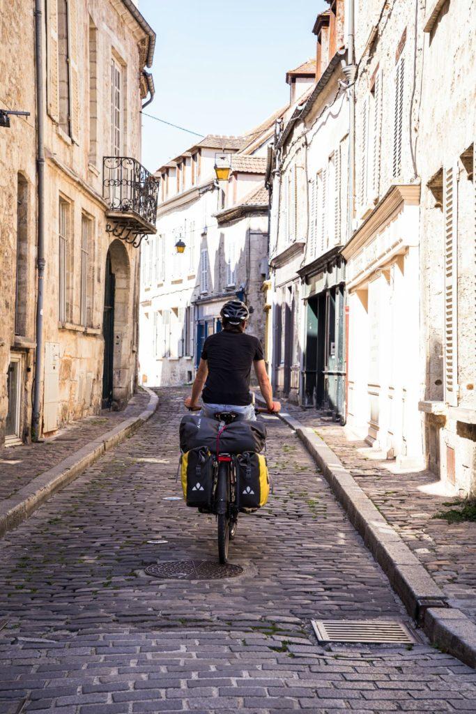 rue Senlis à vélo