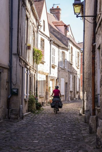 rue Senlis à vélo - Oise