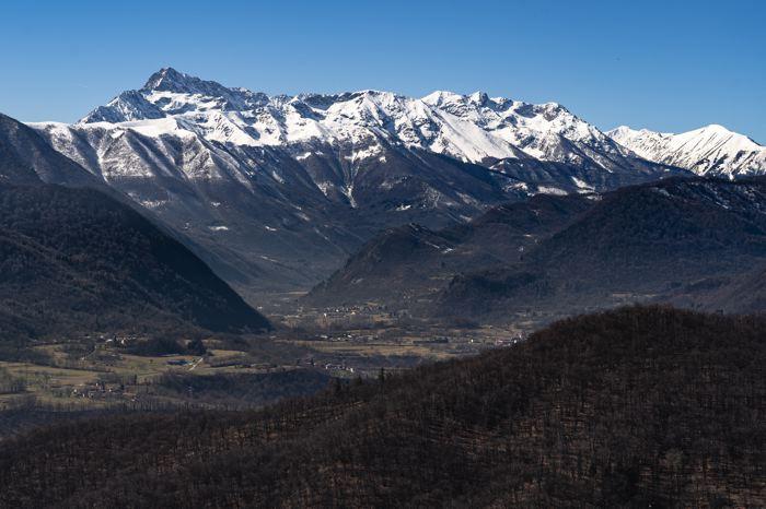 Vallée Stura vue des collines de Vignolo