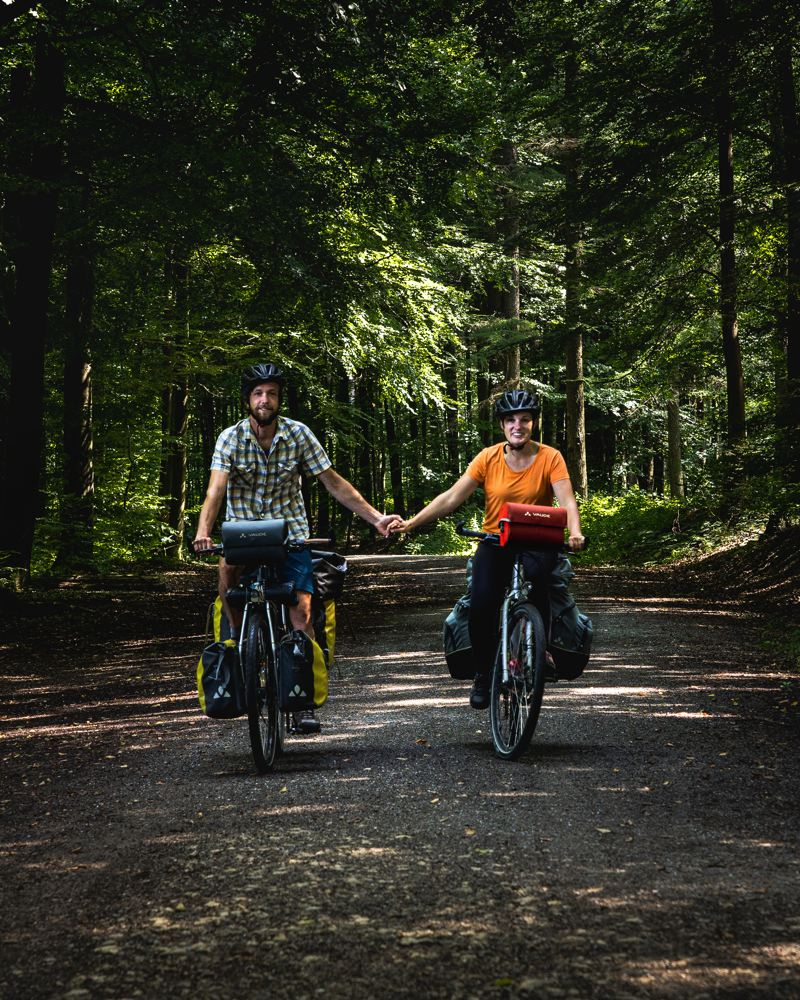 Mila & Denni - Un Monde à Vélo