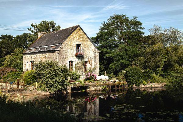 Maison éclusière, canal de Nantes à brest