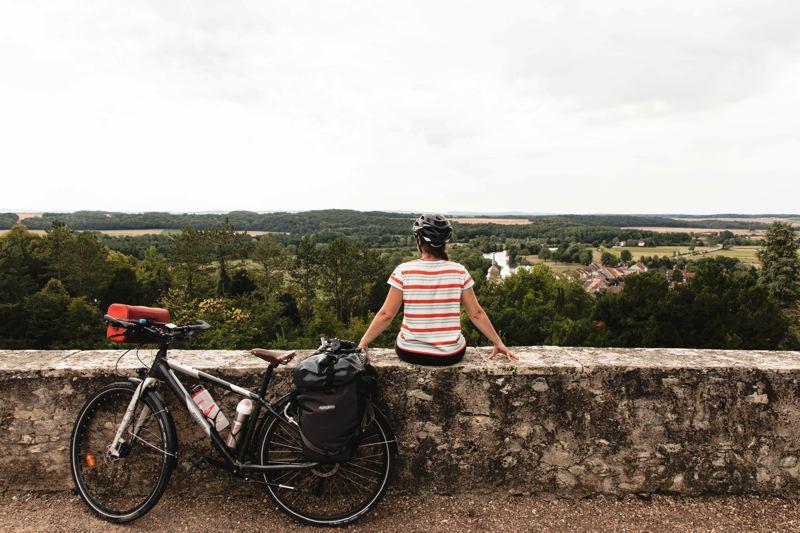 Vue depuis le château de Ray-sur-Saône sur le village et la Saône - Voie Bleue