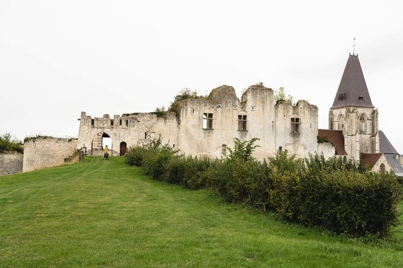 Le château de Picquigny et sa collègiale