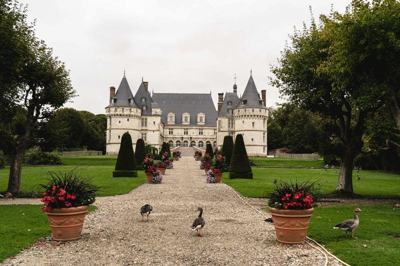 Chateau de Mesnieres-en-Bray, Avunue verte Londres-Paris