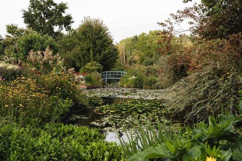 Le jardin du peintre André Van Beek - Avenue Verte Londres Paris