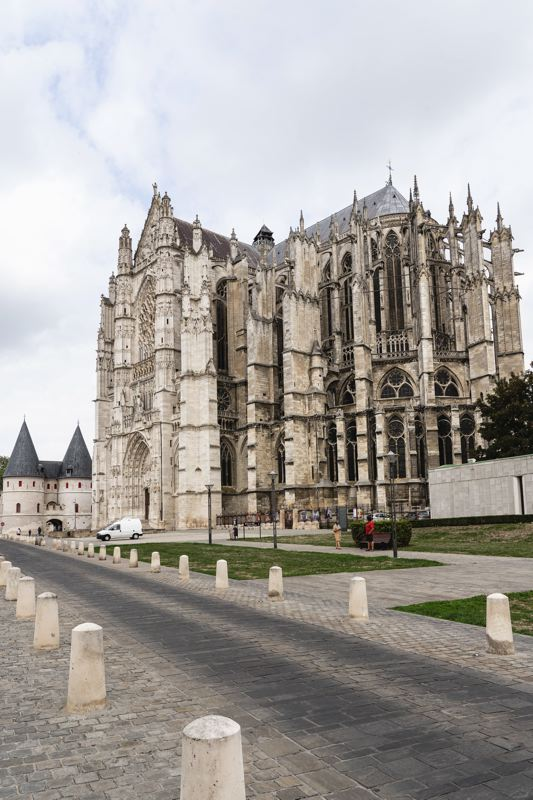 Beauvais - cathédrale - Avenue Verte Londres- Paris
