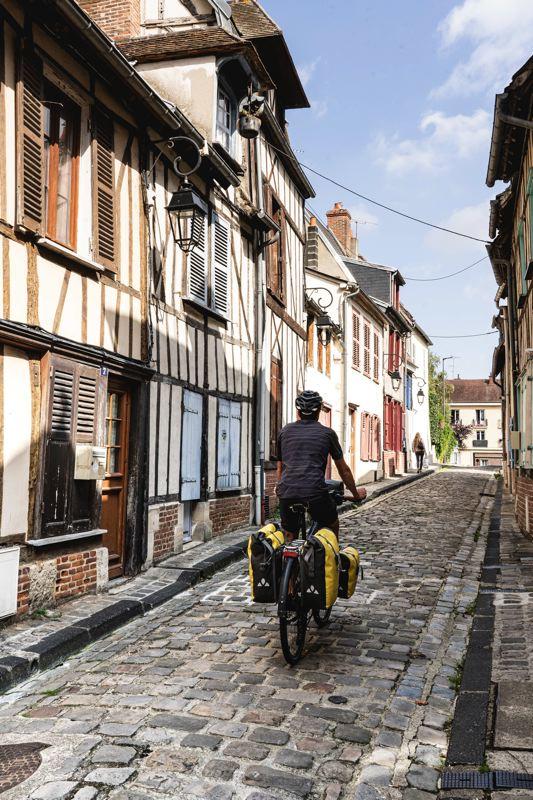 Ruelle pavées de Beauvais - Avenue Verte Londres Paris