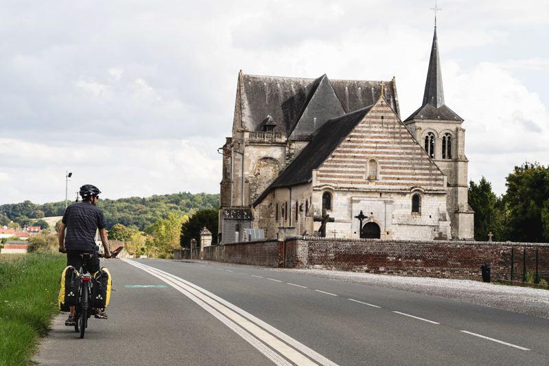 Eglise Notre-Dame à la Sortie de Beauvais, Avenue Verte Londres Paris