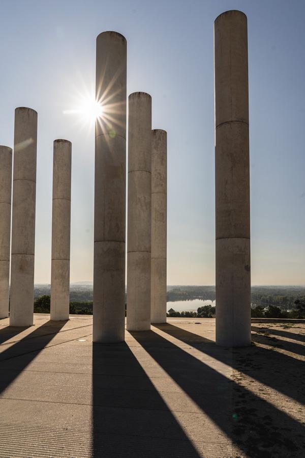 Douze colonnes à Cergy, Avenue Verte Londres Paris