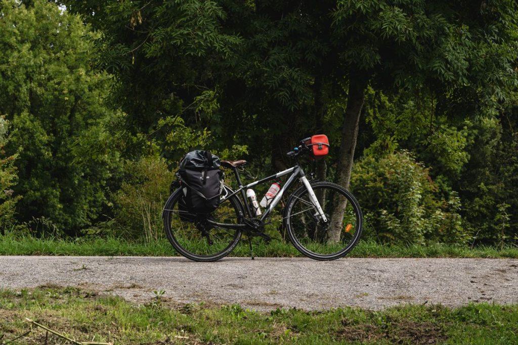 Sacoches de vélo : Vaude ou Ortlieb, le comparatif