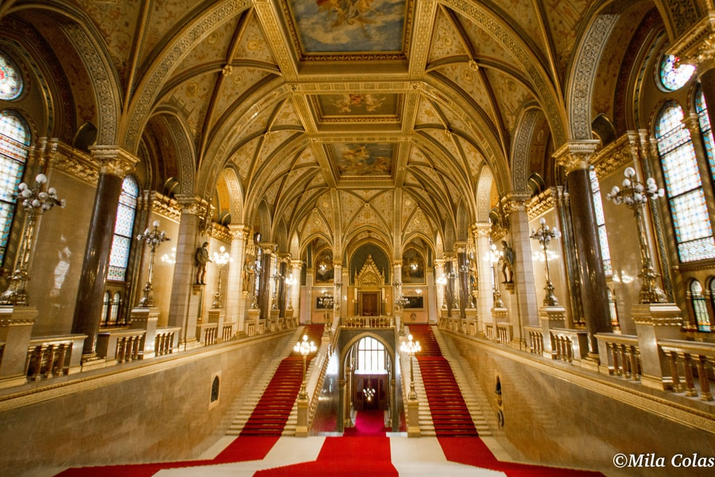 Double escaliers théâtral, Parlement Budapest