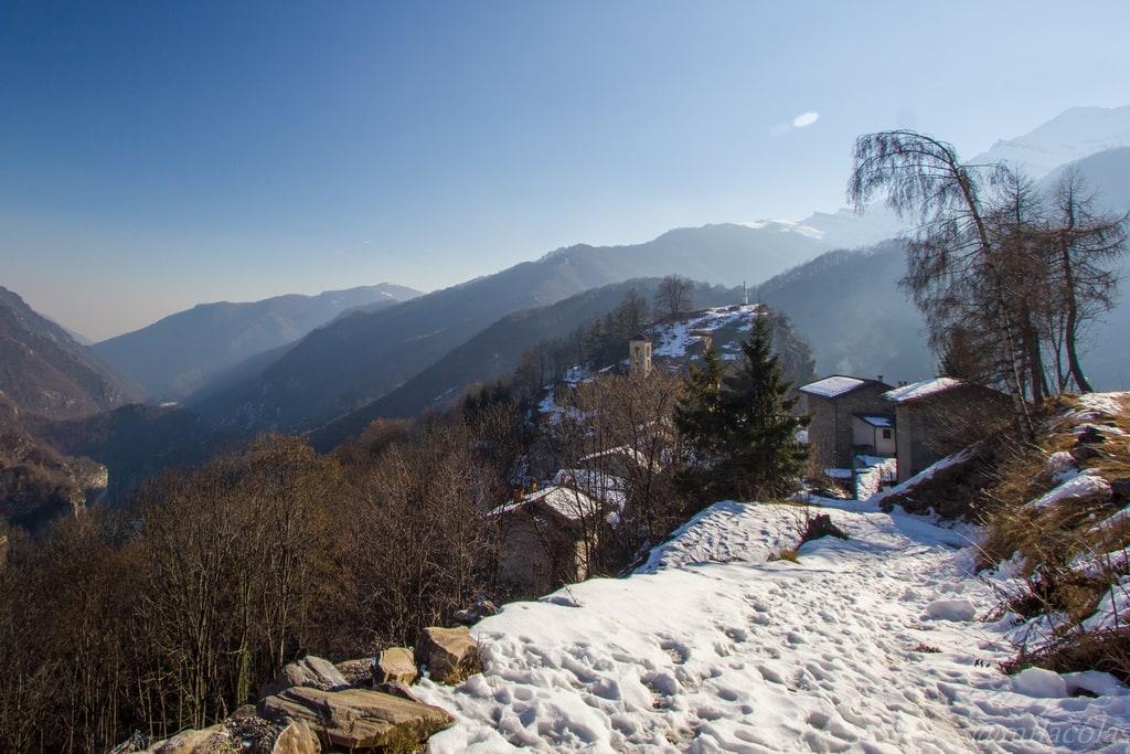 Avant Valliera, le village de Colletto, au coeur de la vallée