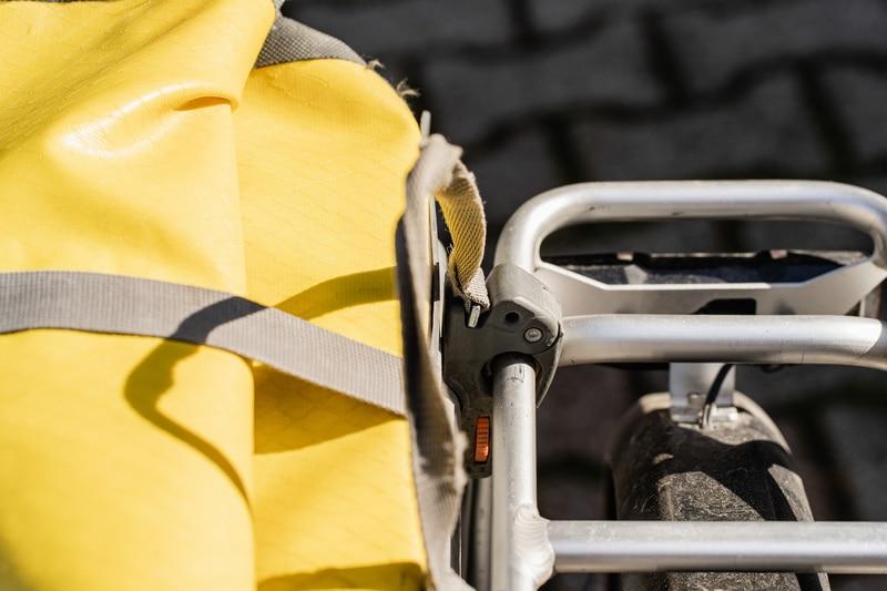 Fixation sacoche Vaude - voyage à vélo