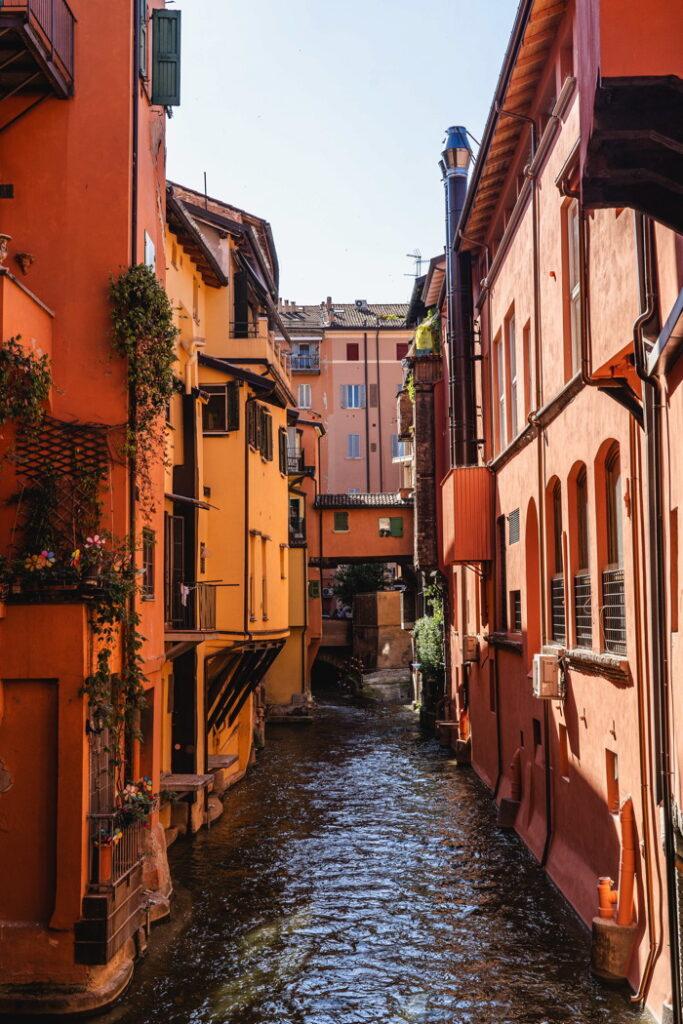 Finestrella - Bologna