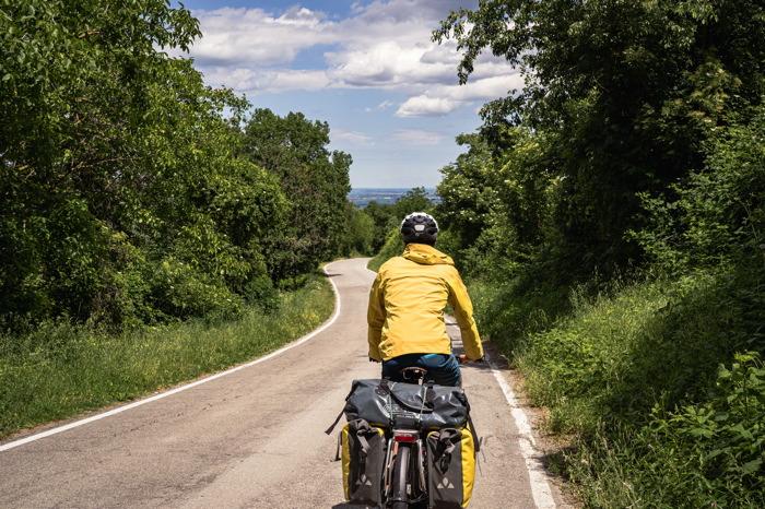 Descente vers la plaine - Italie à vélo